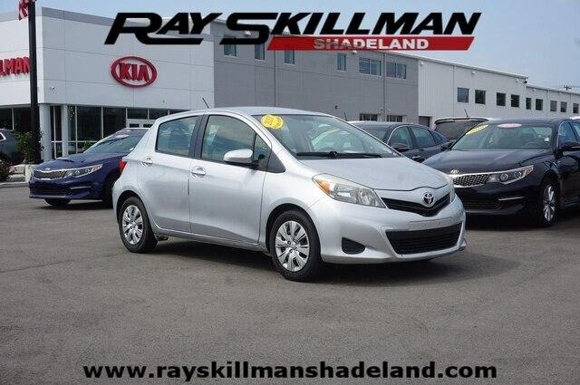 Pre-Owned 2013 Toyota Yaris LE